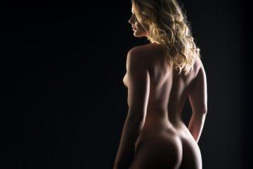 Steeds meer bekende Nederlanders naakt te zien