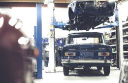 Onderdelen aanschaffen bij een garage? Geen goed idee!