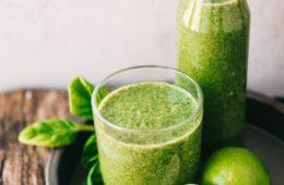 Een green juice helpt je de dag door
