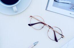 Hulp bij het kiezen tussen een bril en contactlenzen